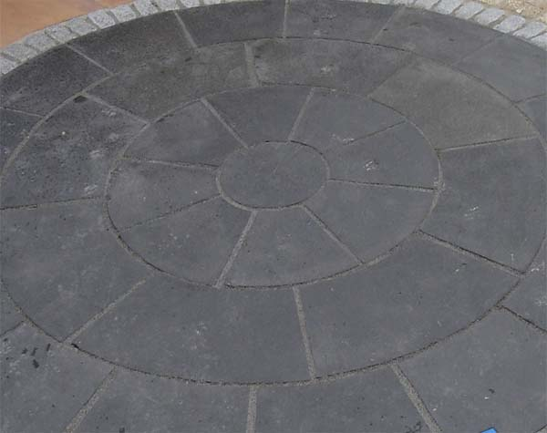 Black Lime stone circle paving